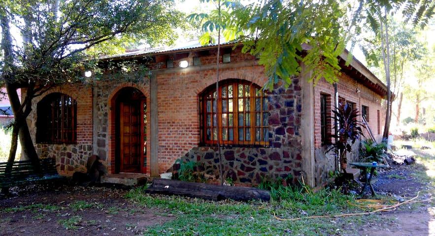 HOSTEL &TRANSFER traslados a San Ignacio y  Mocona