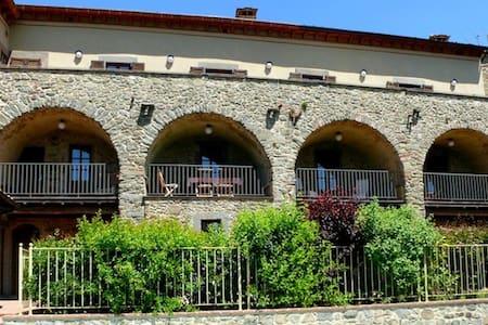 Terrazzo Villa Apartment Sleeps 6 - Lugliano