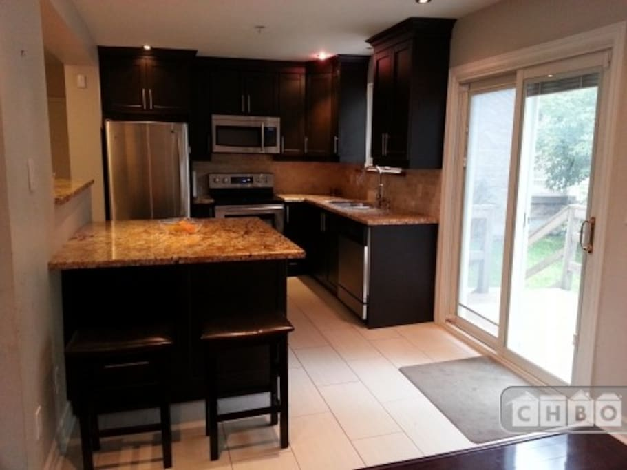 Kitchen with walk-out to the backyard