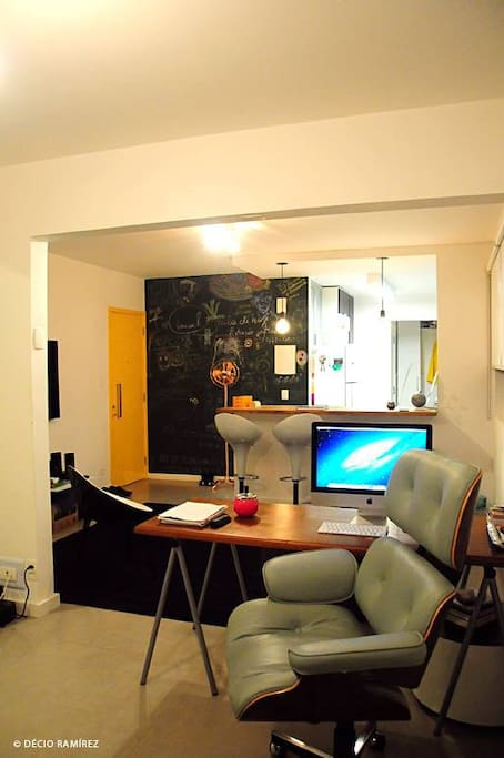 Living room w/ open kitchen