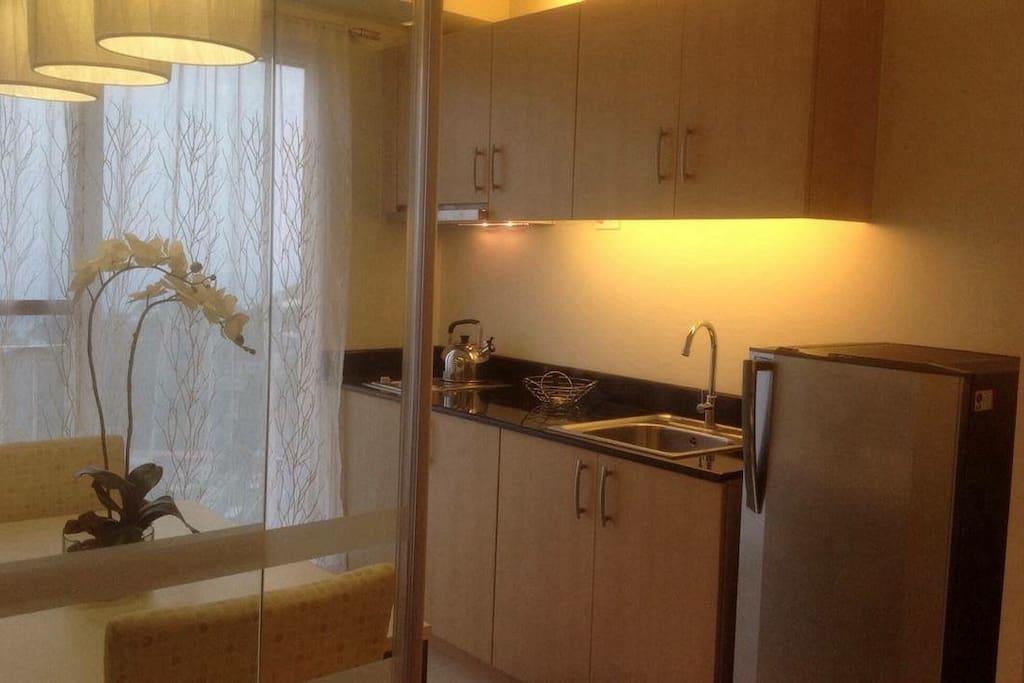 Refrigerator/Stove/Sink