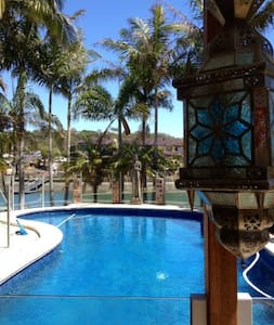 Pool Waterfront Fishing Surfing - Palm Beach - Bed & Breakfast