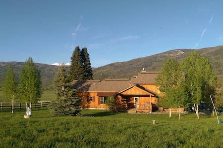 Steamboat Springs / Pleasant Valley - Oak Creek - House