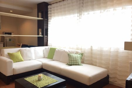Nice fully furnished room in Asoke