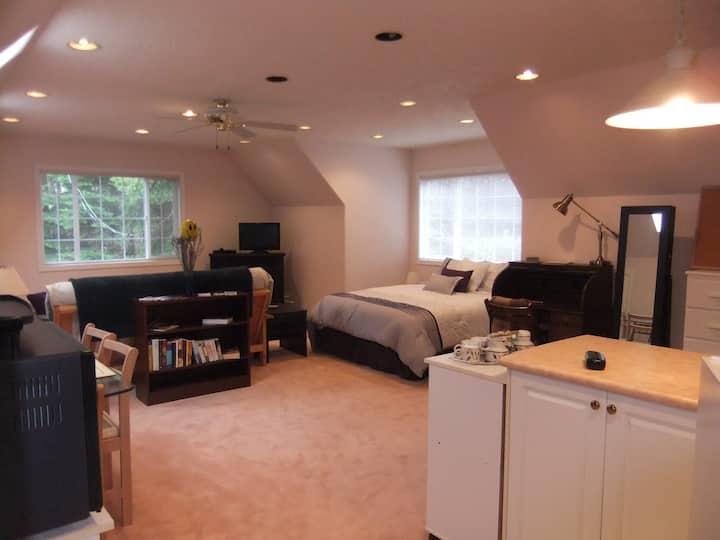 Graceland Lavender Rill Retreat
