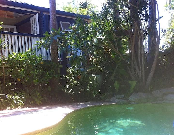 Comfortable Garden Guest Suite