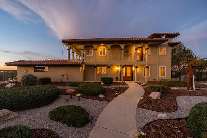 Luxury Estate in Paso Robles (Haciena De Suenos)