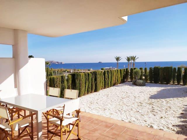 Primera linea de playa - Mar de Pulpi