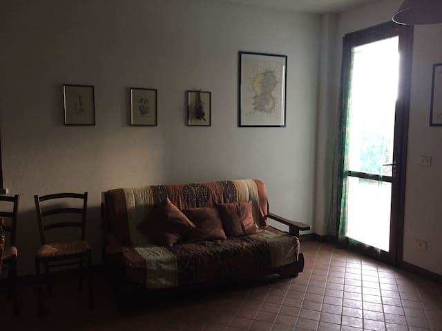 Stanza spaziosa in una proprietà in campagna
