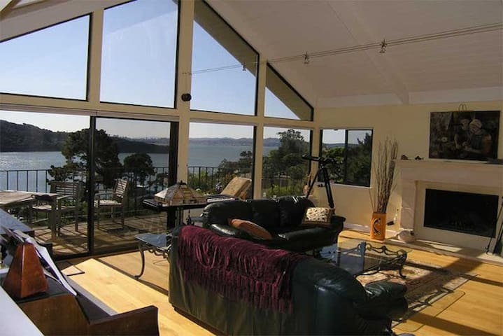 Stunning Panoramic S.F. Bay views - Belvedere Tiburon
