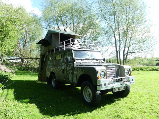Nigella the Land Rover: the roof-tent experience!