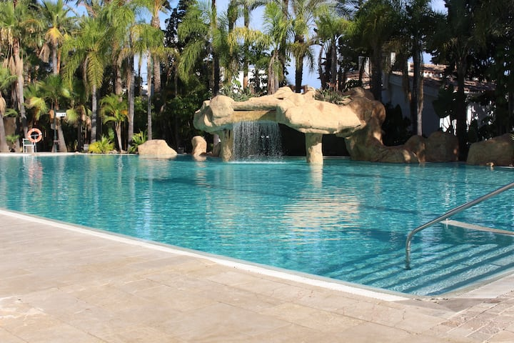 Flat in Hotel Guadalpin with pool and terrace