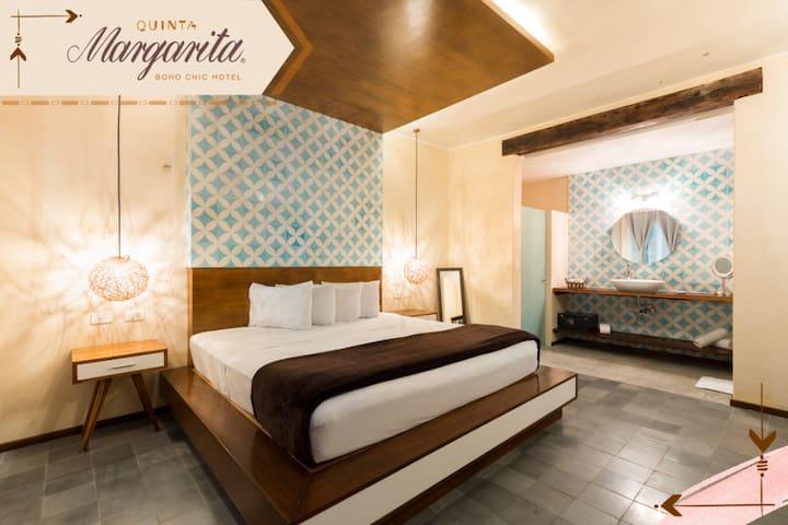 Luxury Room  by Quinta Margarita
