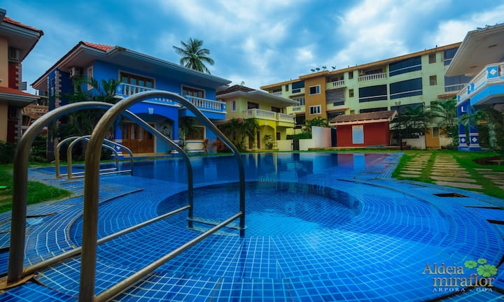 Cozy 2BHK Service Apartment with Pool near Baga