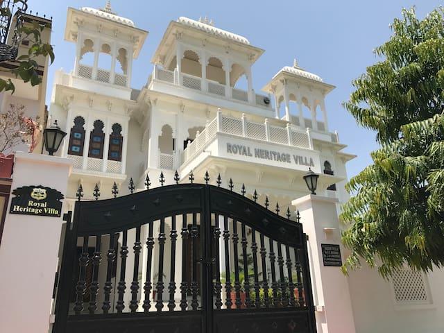 The Royal Heritage Villa (ENTIRE 5_BHK VILLA)