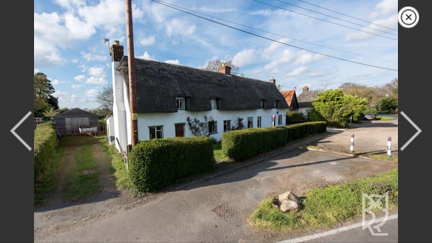 Elizabethan Tudor Thatched Cottage