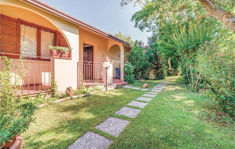 Holiday cottage with 2 bedrooms on 70m² in Magione PG