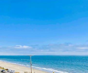 Modern Beachfront Guest Suite Hidden Ocean Escape