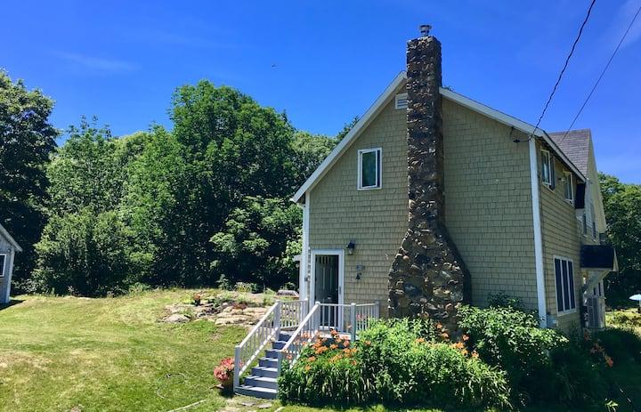 Charming Coastal Maine Cottage