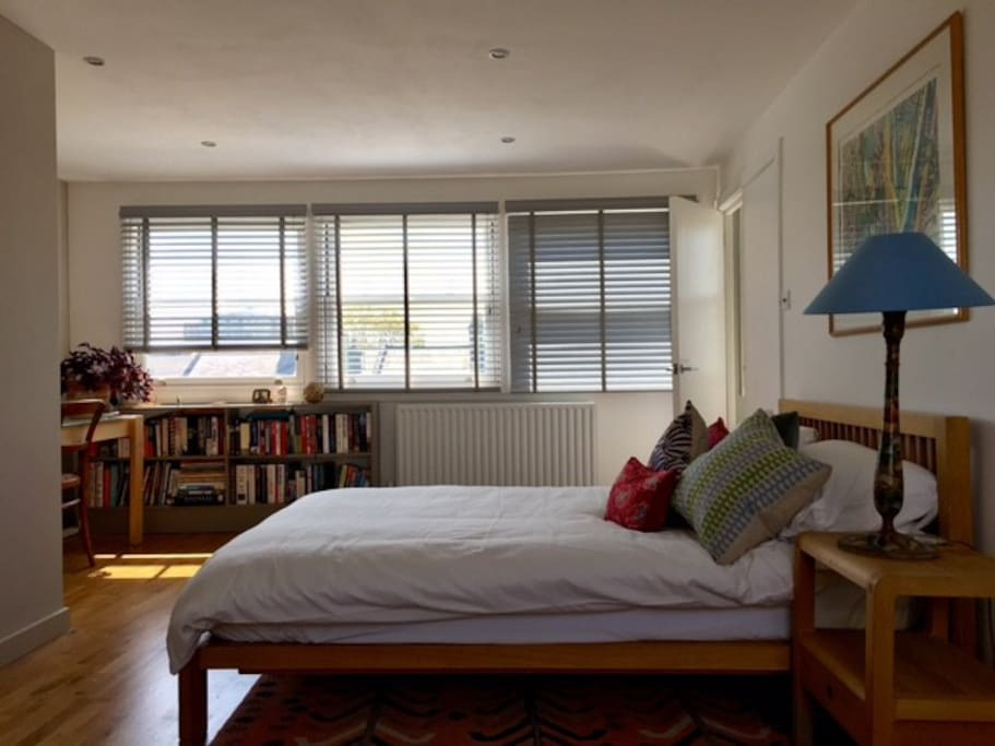 Light and airy, spacious double room