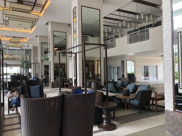 LUMIERE Pasig condominium near malls nd restautant