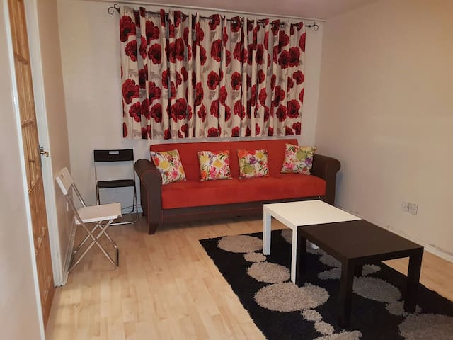 HOLIDAY Flat North-London  (Entire flat, No share) - London - Apartment
