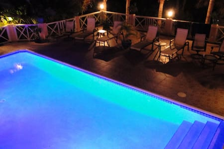 Villa Tropica - Near Beach, Private Pool - Villa