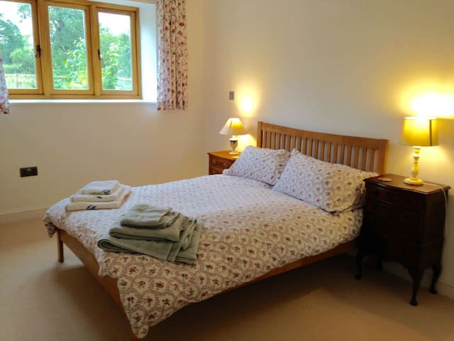 Primrose Croft B&B 2 Bed 1Bathroom