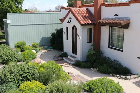 Casita Azul- Charming Downtown Paso