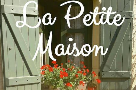 La Petite Maison Charming country cottage