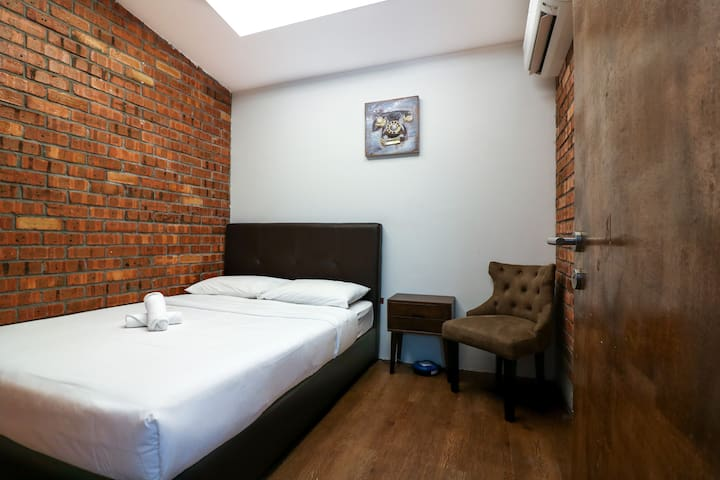 Brickwork Urban Stay 2pax Room near Ipoh Airport