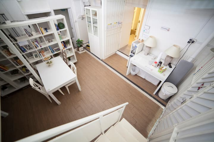 City,(7~9pax)Entire Private Loft, Fast WIFI,Clean