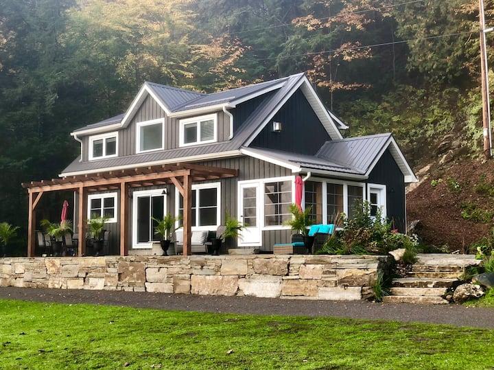 LAKE HOUSE @ Jack's Lake Lodge Cottage Rentals