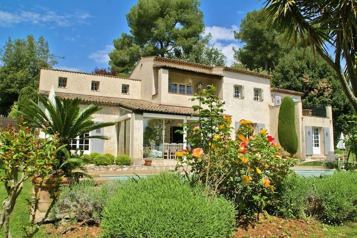 Increíble Villa con piscina privada en Saint Paul de Vence, Francia