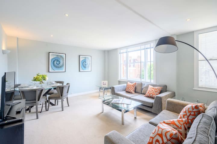 Mayfair Two Bedroom Apartment