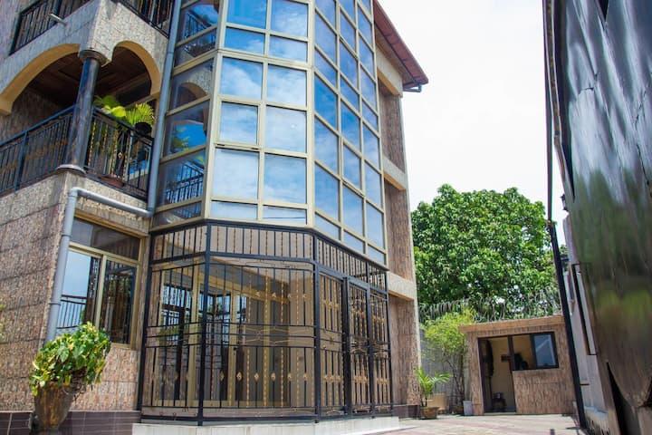 Hôtel Finesse  Bandalungwa arrêt bakayawu