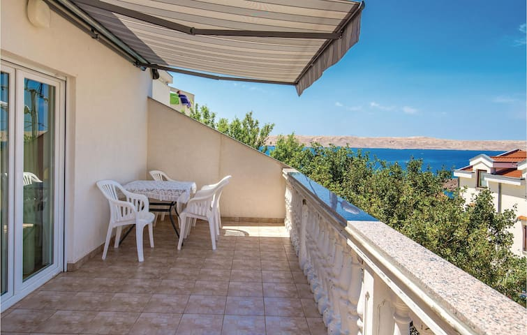 Holiday apartment with 1 bedroom on 42m² in Cesarica