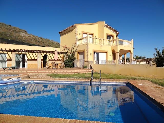 Villa avec piscine, airco, wi-fi... - Los Gallardos