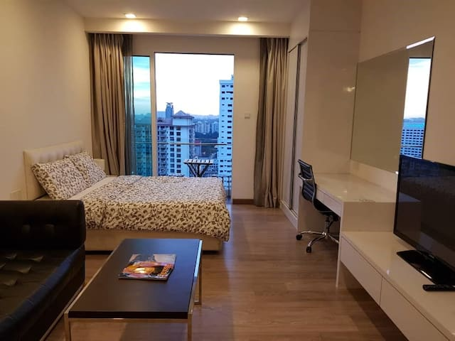 Admiral suite (Email hidden by Airbnb) and Bukit Bintang