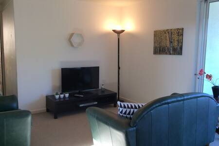 Spacious Ideal Home-Away-From-Home - Shenton Park