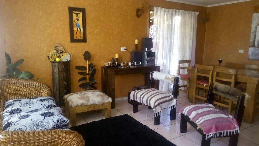 CASA AMPLIA EN BALNEARIO DE PAPUDO - Papudo - House