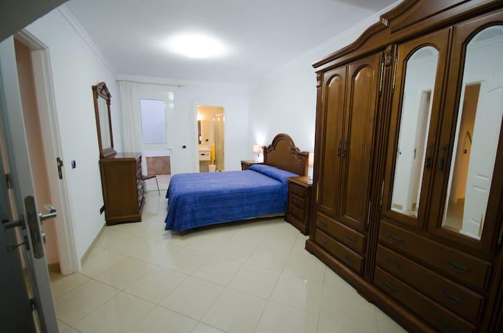 Alojamientos Para Reservar Con Piscina En Taliarte