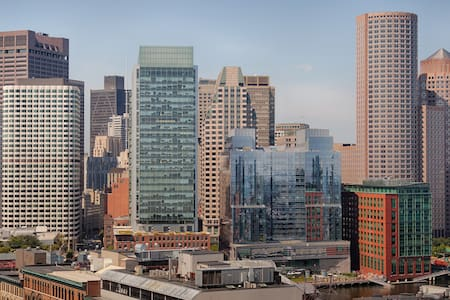 Seaport, Fort Point Lux Highrise