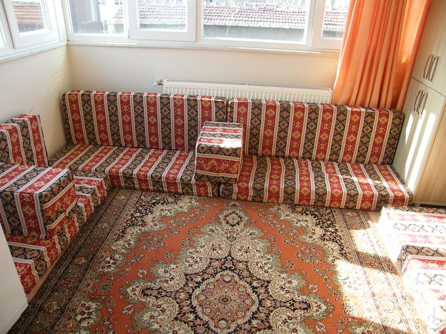 Arabic/Turkish style Majlis plenty of space  (lounge) seats 12 great for gatherings