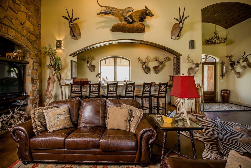 Funfilled texas ranch a destination in itself for Costruttori di case in stile ranch in texas