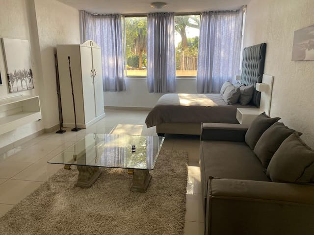 Sandton Apartment (104) - 4.6KMS from Sandton City