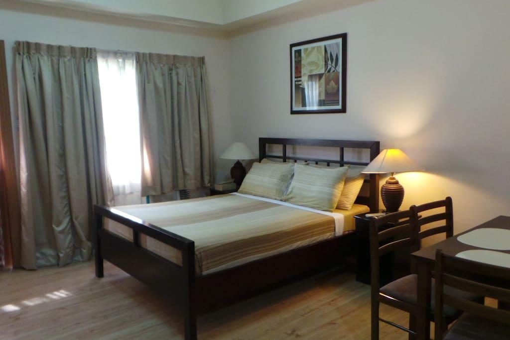 Queen bed..
