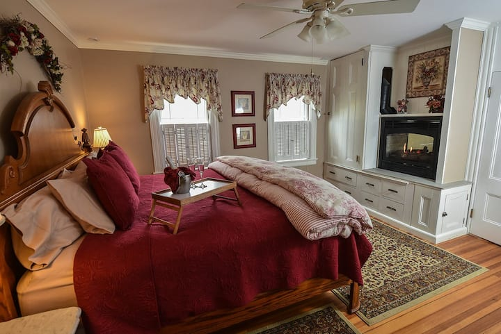 Acadia Suite - The Saltair Inn Waterfront Bed & Breakfast