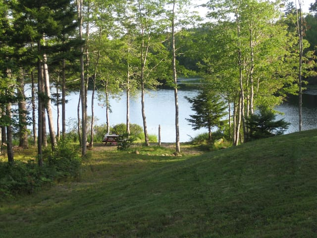 Peaceful Lakeside Setting - Lunenburg
