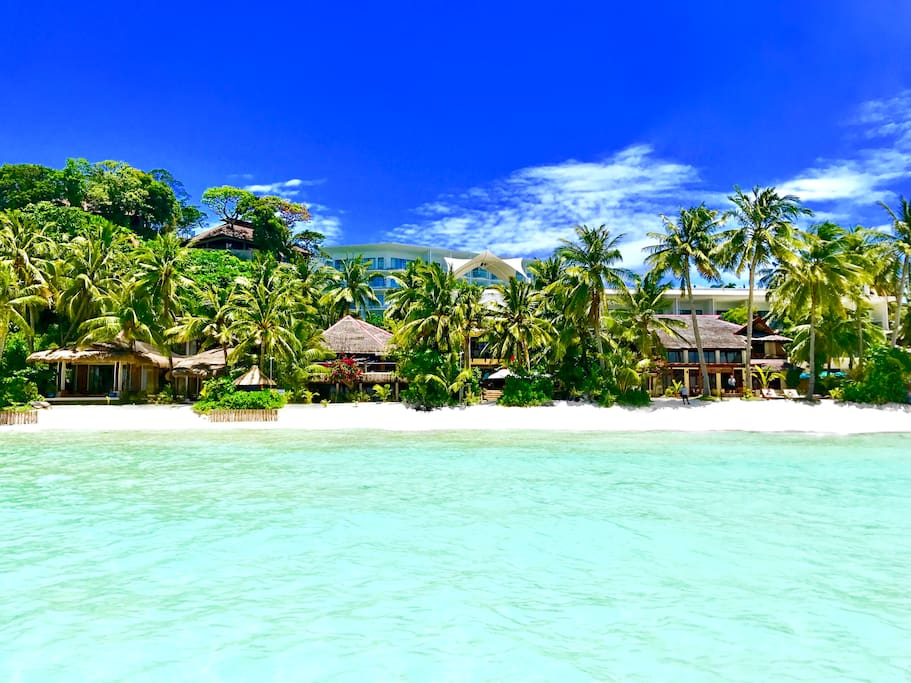 Mayumi Private Villa - First line beach front at the most beautiful part of world famous White Beach